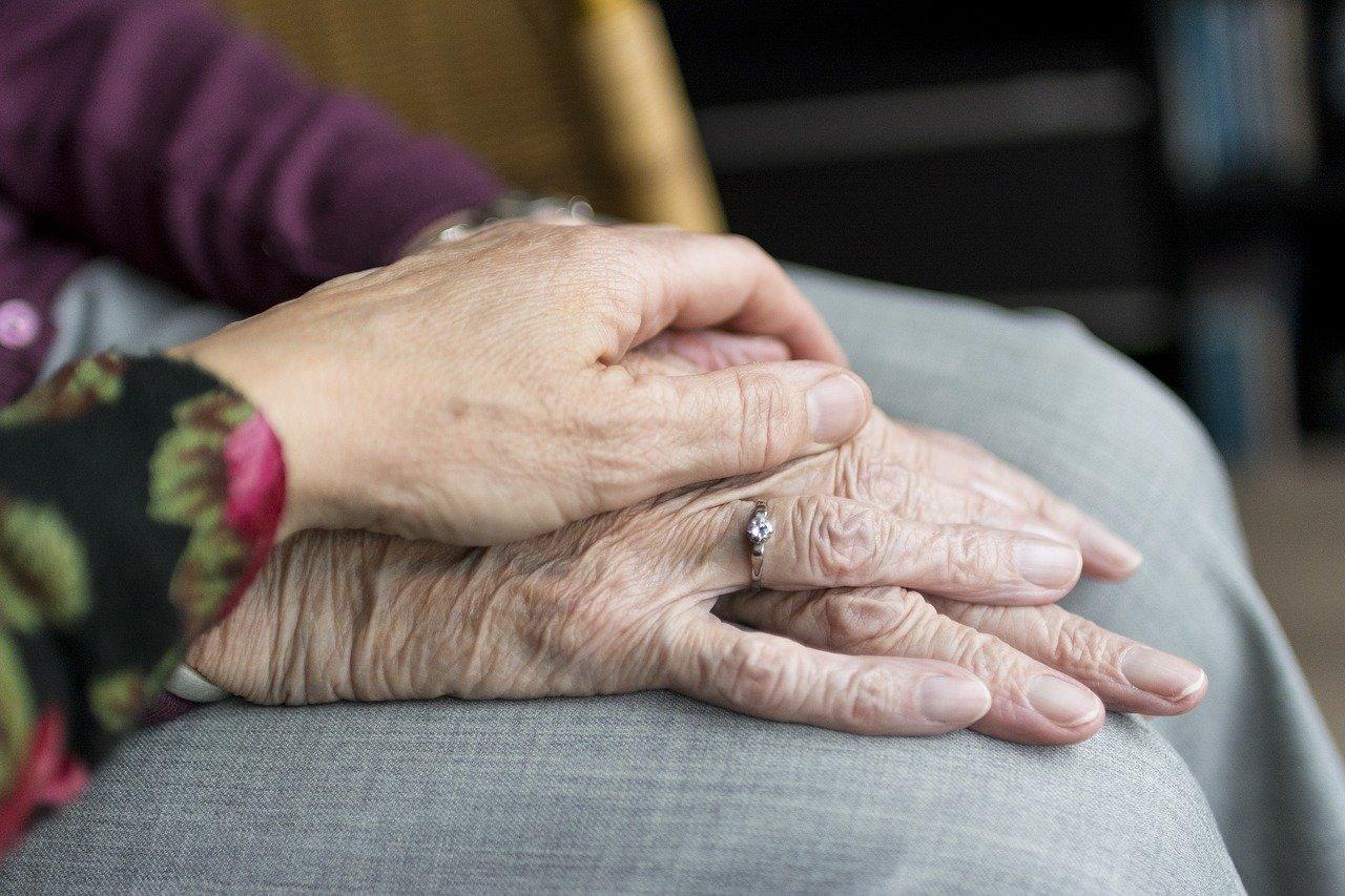 visitas a hogares de ancianos covid-19